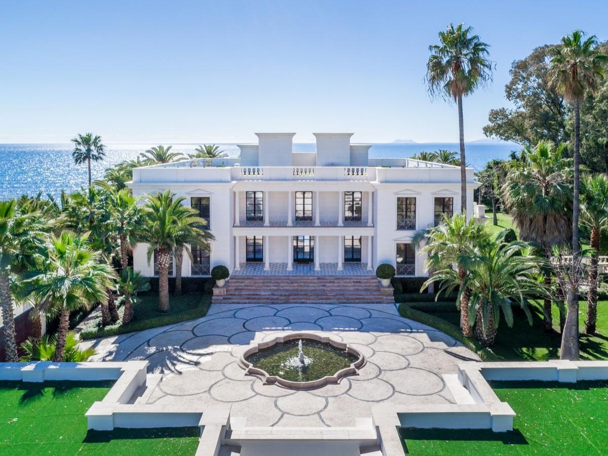 Front Line Beach Detached Mansion